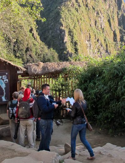 Machupicchu by Car 2 Days -1 Night