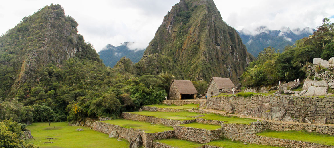 Machupicchu by Car 2 Days -1 Night - Viva Cusco